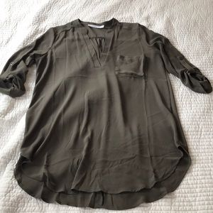 Olive roll tab tunic top